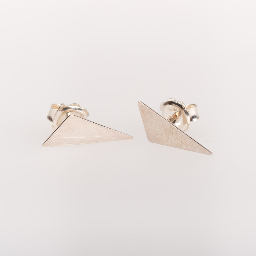 dubaruba_shop_silver triangle studs earrings smith jewelry made in africa cape town handcrafted  south africa