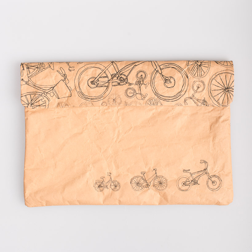 dubaruba_paper sleeve laptop sleeve- the bicycle sleeve the wren design south africa cape town handcrafted made in africa