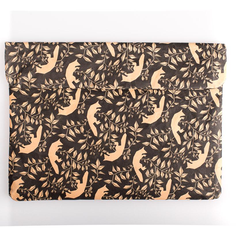dubaruba_paper sleeve laptop sleeve- the flying foxes the wren design south africa cape town handcrafted made in africa