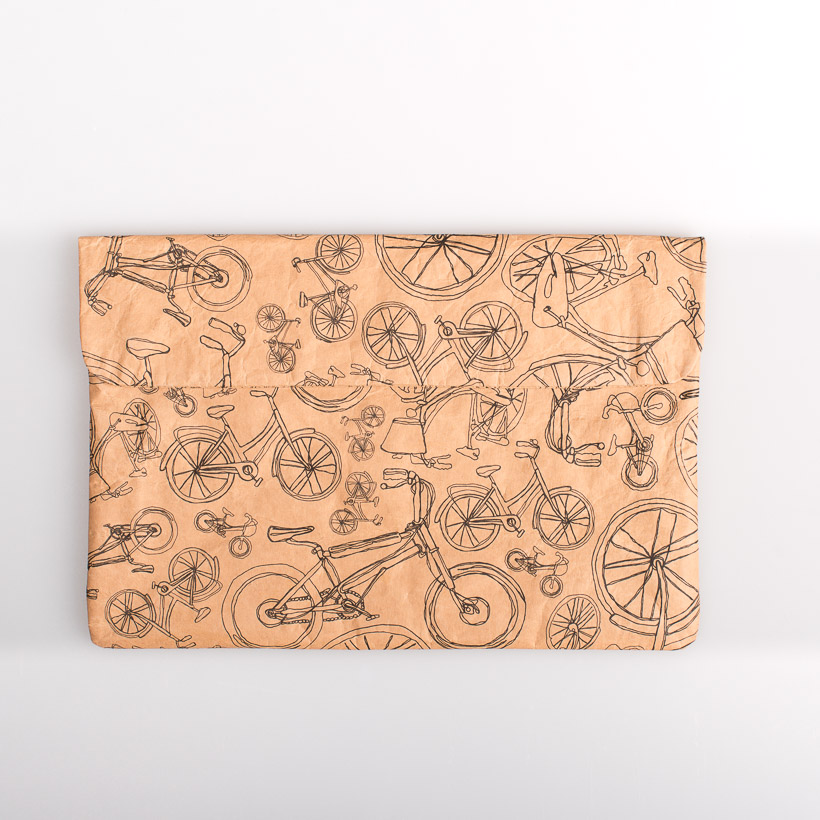 dubaruba_paper sleeve laptop sleeve- bicycle all around town the wren design south africa cape town handcrafted made in africa